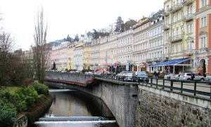 river avenue in Karlovy Vary