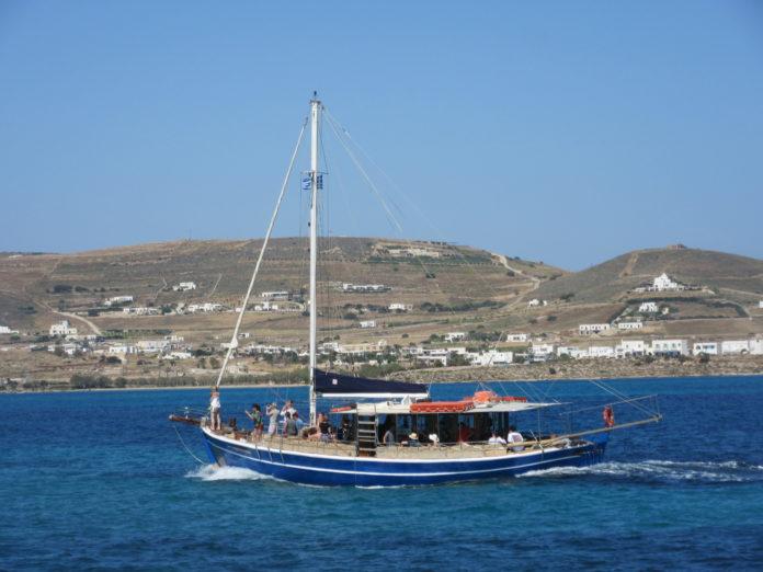 Antiparos tour boat